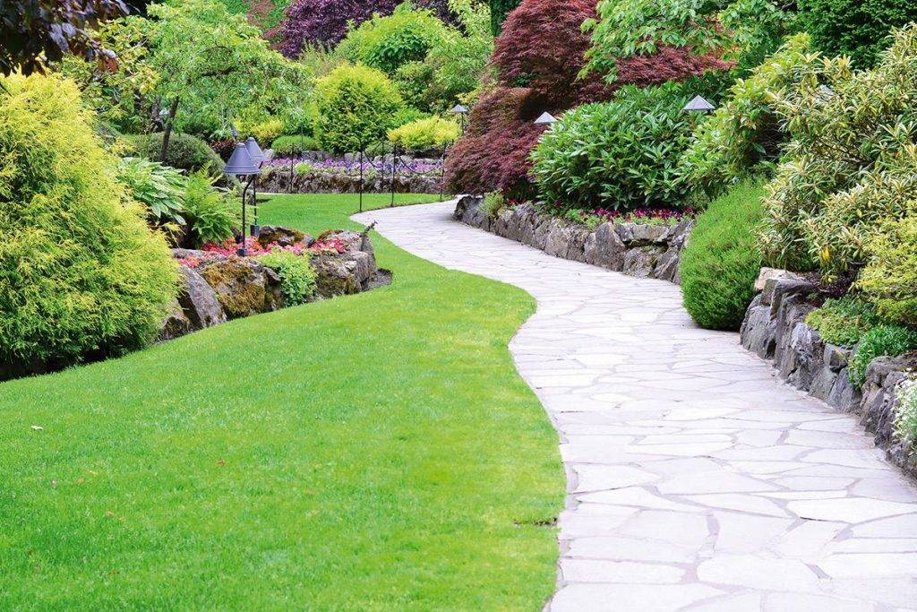 Garden landscaping in Abingdon